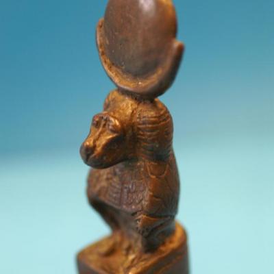 Thot sous sa forme de babouin - 3ème Période Intermédiaire (Voir la page suivante)