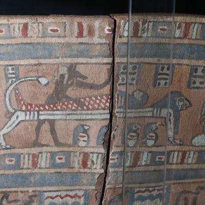 Couvercle de sarcophage - Epoque Ptolémaïque - Photo F. Gourdon