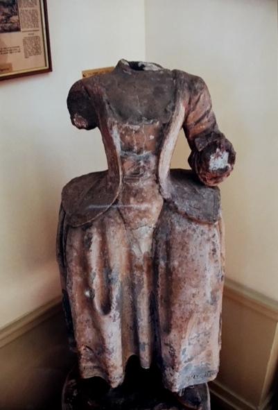 La femme sans tête, ancienne enseigne d'auberge de Montgeron