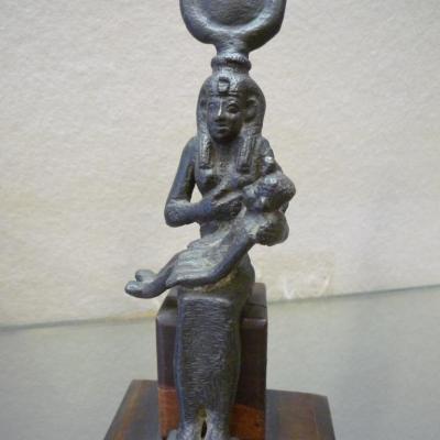 Déesse, Isis allaitant l'enfant Horus - Bronze - Basse Epoque