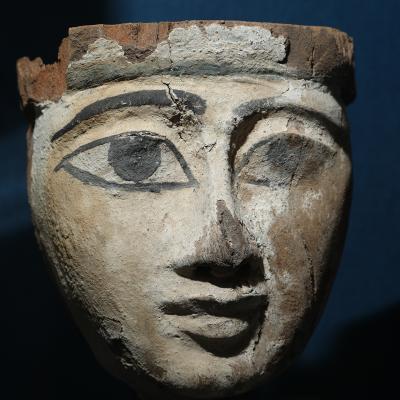 Masque de sarcophage - Egypte - Nouvel Empire - Photo  F. Gourdon