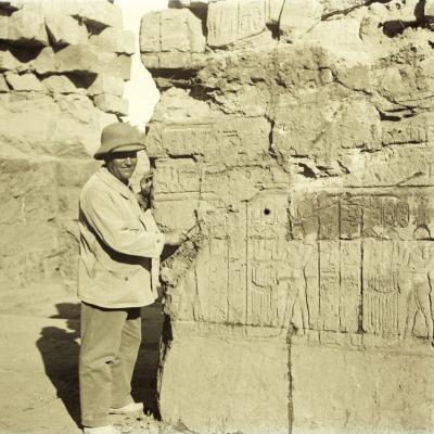ED travaillant sur la porte de Tibère